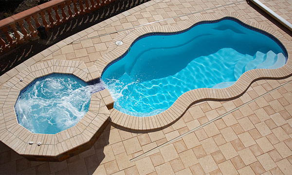 Fiberglass Swimming Pool with spill over spa